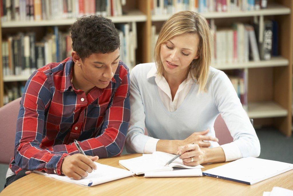 tutor with student