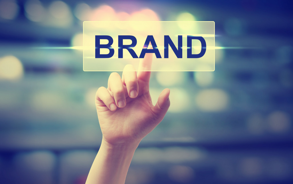 hand clicking brand
